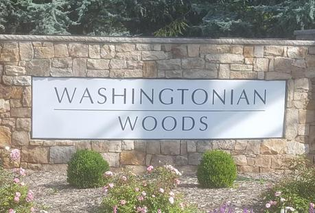 Washingtonian Woods Sign